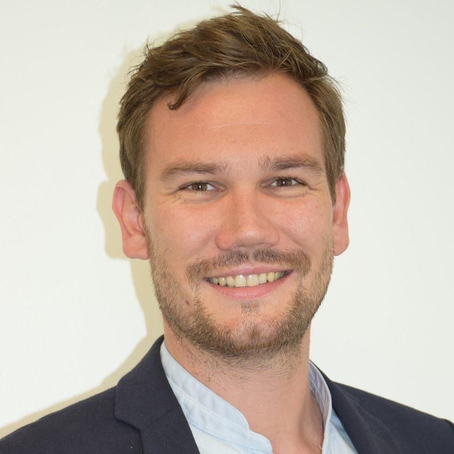 Directeur Amos Nantes