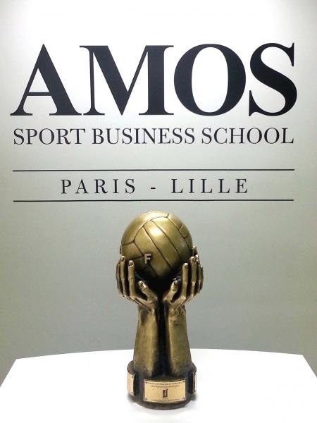 Le trophée de la JSF Nanterre (partenaire AMOS) célébré dans nos locaux !
