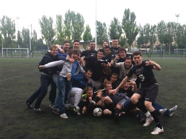 Football Championnat Universitaire IDF: l'équipe AMOScienne tout proche du titre !
